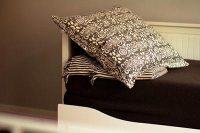 pillows-throws